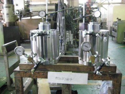加圧装置改造による油圧圧下方式への変更|圧延機・ロールプレス.com